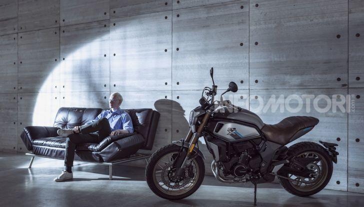 CF Moto 700CL-X: presentata a EICMA la nuova classic di media cilindrata - Foto 5 di 12