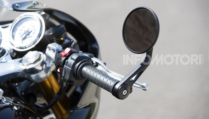 Triumph Thruxton RS 2020: l'iconica cafè racer si evolve in chiave moderna - Foto 29 di 33