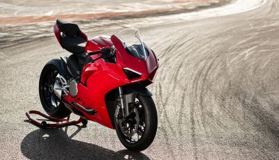 Ducati Panigale V2: il bicilindrico torna più in forma che mai!