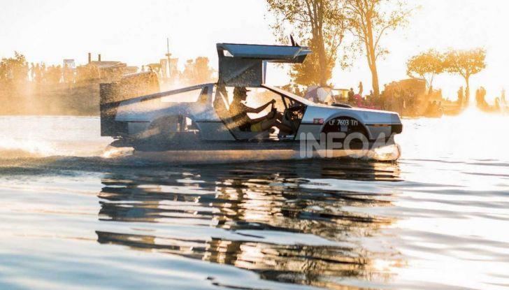 DeLorean DMC-12 hovercraft, l'esemplare volante costruito a mano - Foto 1 di 9