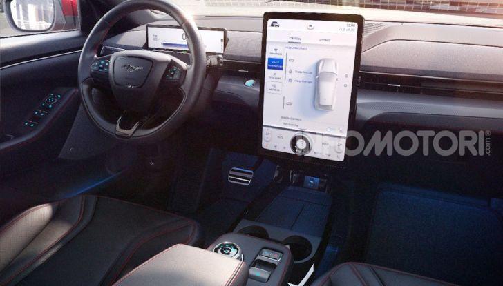Ford Mustang Mach-E: per il SUV elettrico servono 50.000 euro - Foto 14 di 20