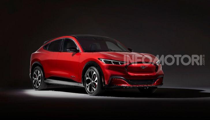Ford Mustang Mach-E: per il SUV elettrico servono 50.000 euro - Foto 18 di 20