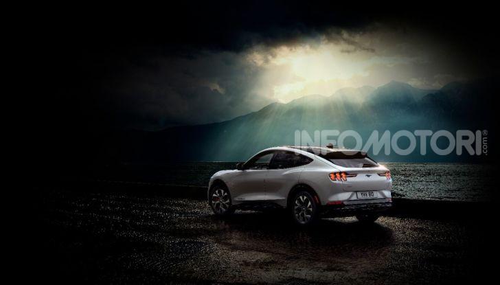 Ford Mustang Mach-E: per il SUV elettrico servono 50.000 euro - Foto 6 di 20