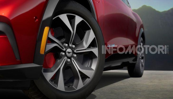 Ford Mustang Mach-E: per il SUV elettrico servono 50.000 euro - Foto 9 di 20