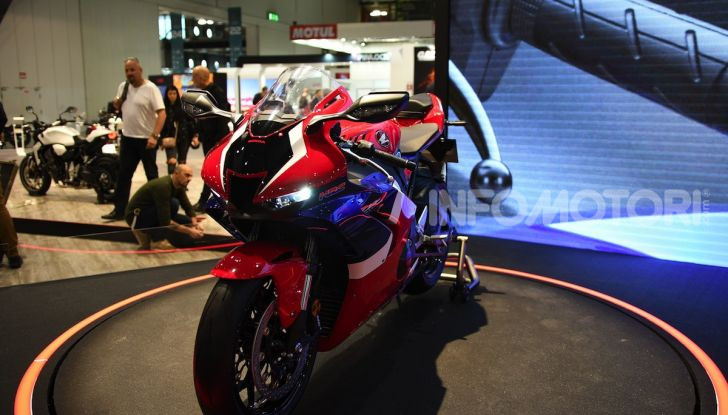 Honda CBR1000RR-R 2020: la nuova Superbike della Casa dell'Ala, anche in versione SP - Foto 29 di 42