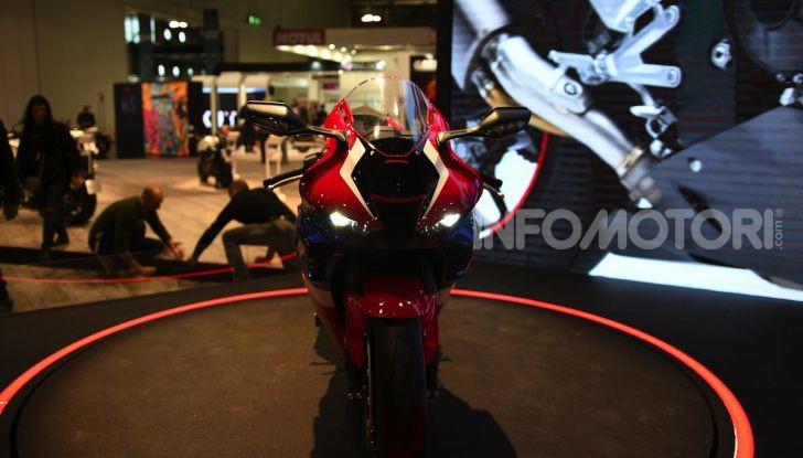Honda CBR1000RR-R 2020: la nuova Superbike della Casa dell'Ala, anche in versione SP - Foto 30 di 42