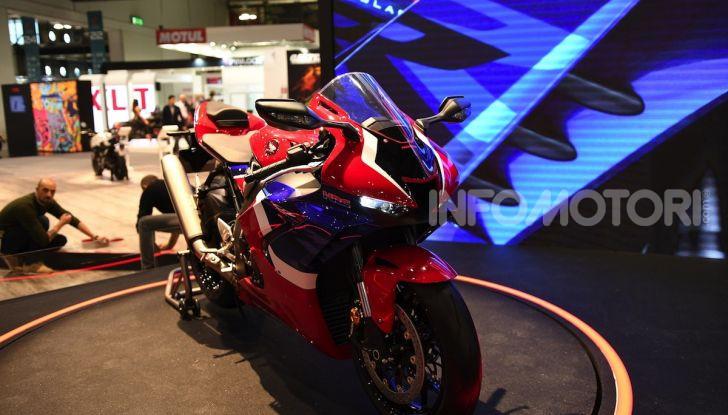 Honda CBR1000RR-R 2020: la nuova Superbike della Casa dell'Ala, anche in versione SP - Foto 31 di 42