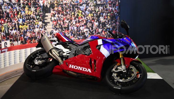 Honda CBR1000RR-R 2020: la nuova Superbike della Casa dell'Ala, anche in versione SP - Foto 20 di 42