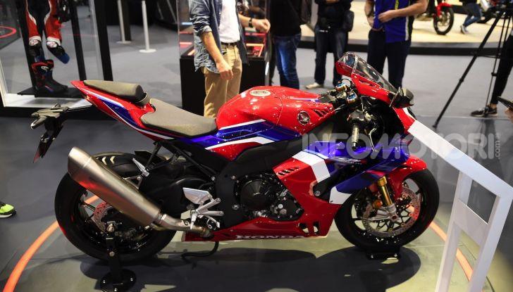 Honda CBR1000RR-R 2020: la nuova Superbike della Casa dell'Ala, anche in versione SP - Foto 35 di 42