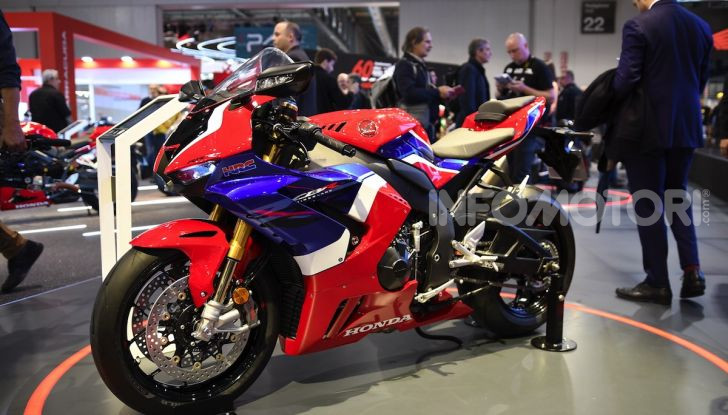 Honda CBR1000RR-R 2020: la nuova Superbike della Casa dell'Ala, anche in versione SP - Foto 36 di 42
