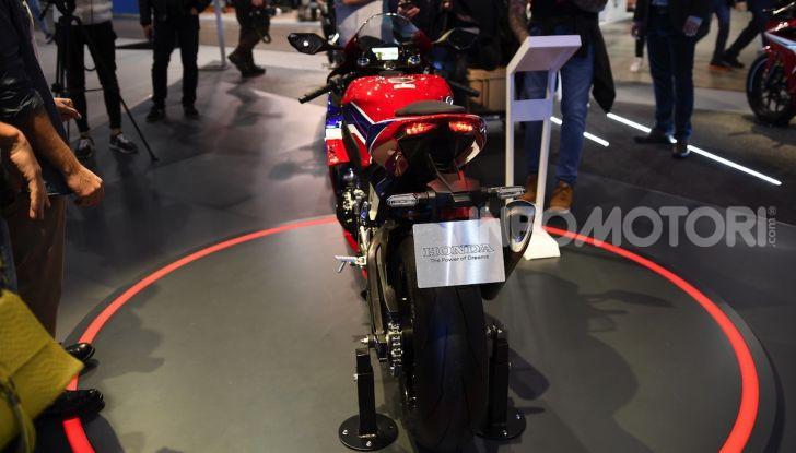 Honda CBR1000RR-R 2020: la nuova Superbike della Casa dell'Ala, anche in versione SP - Foto 37 di 42