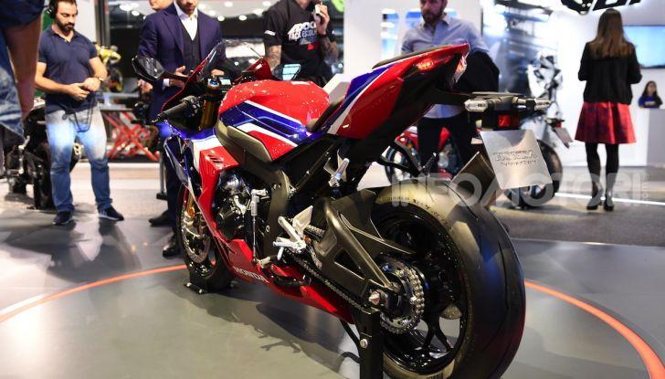 Honda CBR1000RR-R 2020: la nuova Superbike della Casa dell'Ala, anche in versione SP - Foto 38 di 42