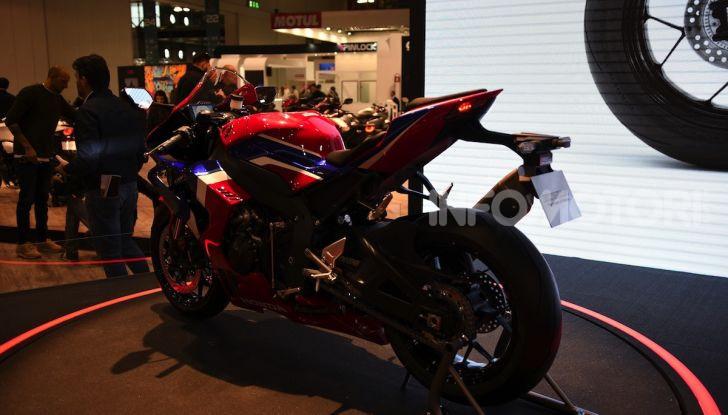 Honda CBR1000RR-R 2020: la nuova Superbike della Casa dell'Ala, anche in versione SP - Foto 23 di 42