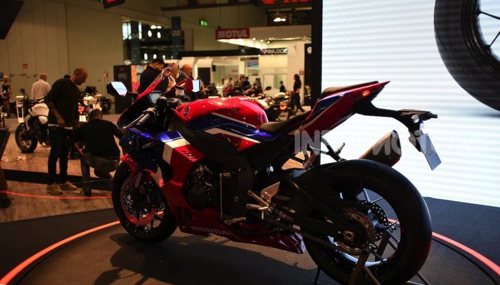 Honda CBR1000RR-R 2020: la nuova Superbike della Casa dell'Ala, anche in versione SP - Foto 24 di 42