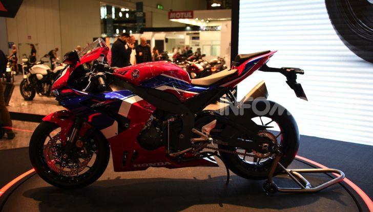 Honda CBR1000RR-R 2020: la nuova Superbike della Casa dell'Ala, anche in versione SP - Foto 25 di 42