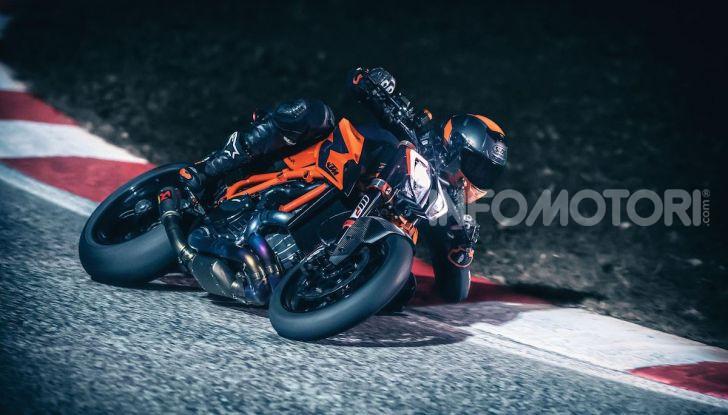 """KTM 1290 Superduke R 2020: la """"Bestia"""" arancione, atto terzo - Foto 5 di 8"""