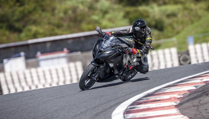 Kawasaki sempre più verde: arriva la prima moto elettirica di Akashi - Foto 1 di 12