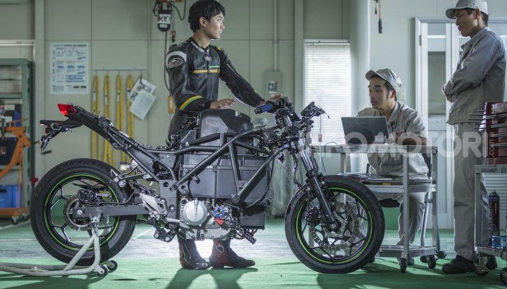 Kawasaki sempre più verde: arriva la prima moto elettirica di Akashi - Foto 2 di 12