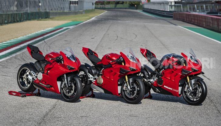 Ducati Panigale V2: per la pista e per la strada - Foto 30 di 31
