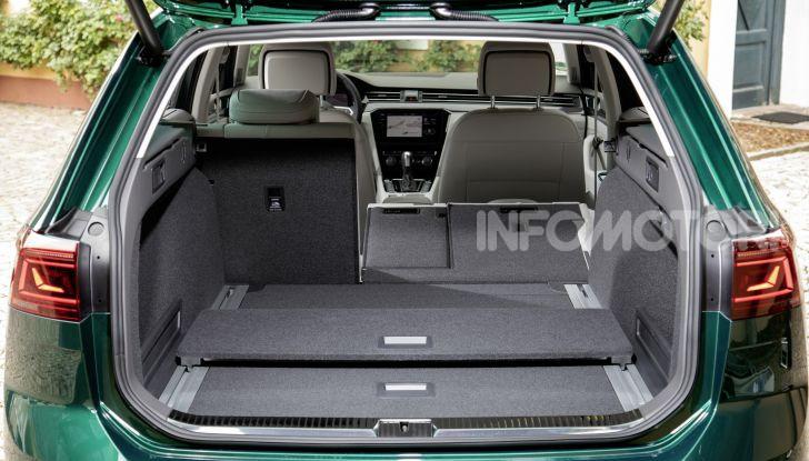 Nuova Volkswagen Passat 2020 prova su strada, versioni e prezzi - Foto 19 di 19