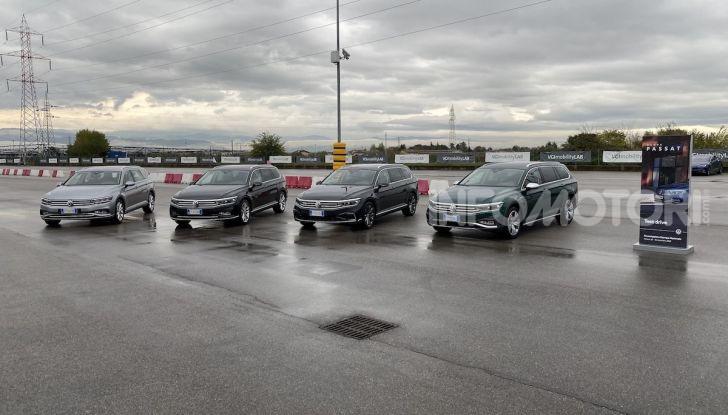 Nuova Volkswagen Passat 2020 prova su strada, versioni e prezzi - Foto 4 di 19