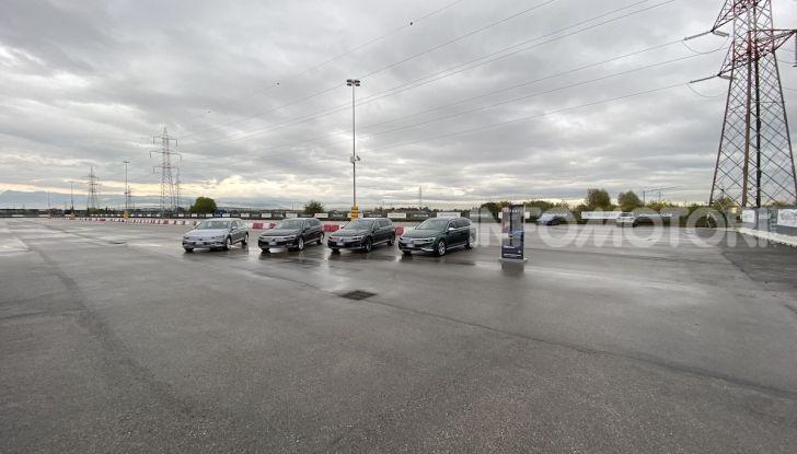 Nuova Volkswagen Passat 2020 prova su strada, versioni e prezzi - Foto 6 di 19