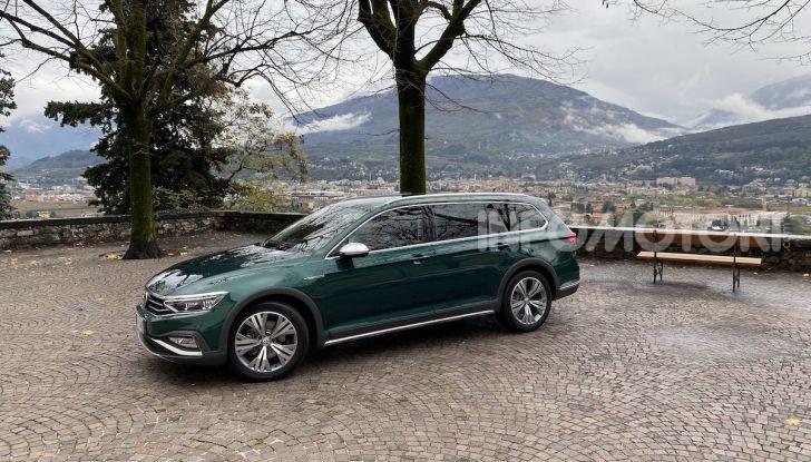 Nuova Volkswagen Passat 2020 prova su strada, versioni e prezzi - Foto 2 di 19