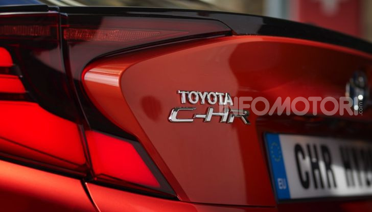 [VIDEO] Prova Nuovo Toyota C-HR MY2020: una ventata di freschezza - Foto 19 di 36