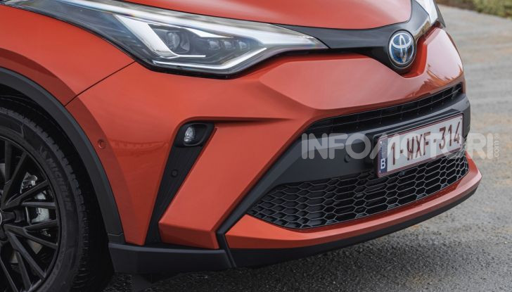 [VIDEO] Prova Nuovo Toyota C-HR MY2020: una ventata di freschezza - Foto 24 di 36
