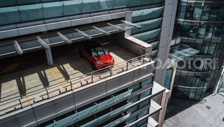[VIDEO] Prova Nuovo Toyota C-HR MY2020: una ventata di freschezza - Foto 14 di 36