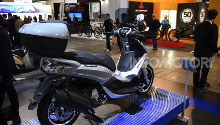 [VIDEO] EICMA 2019, tutte le novità di Piaggio, Vespa, Aprilia e Moto Guzzi - Foto 50 di 57