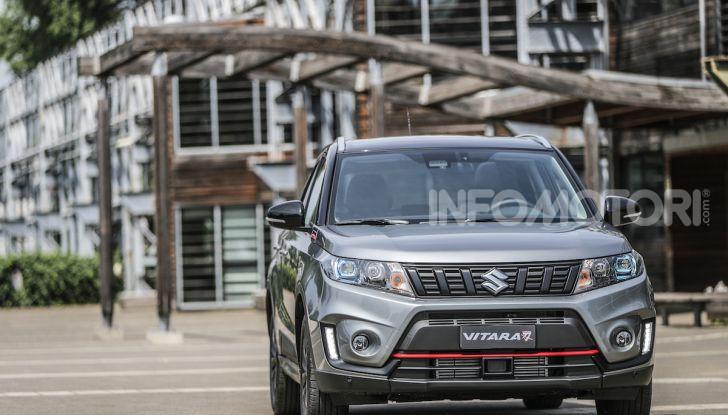 Suzuki Vitara Katana: la jeep ispirata a un'icona delle due ruote - Foto 7 di 11