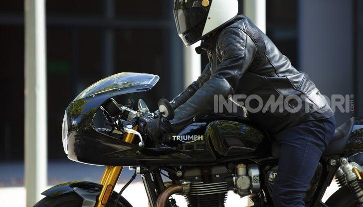 Triumph Thruxton RS 2020: l'iconica cafè racer si evolve in chiave moderna - Foto 13 di 33