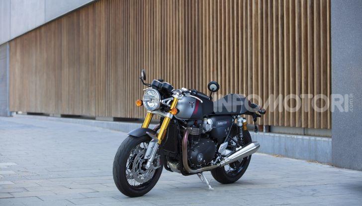 Triumph Thruxton RS 2020: l'iconica cafè racer si evolve in chiave moderna - Foto 11 di 33