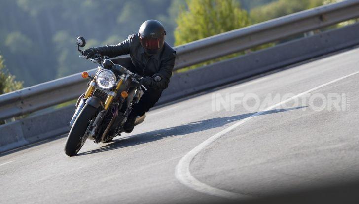 Triumph Thruxton RS 2020: l'iconica cafè racer si evolve in chiave moderna - Foto 7 di 33