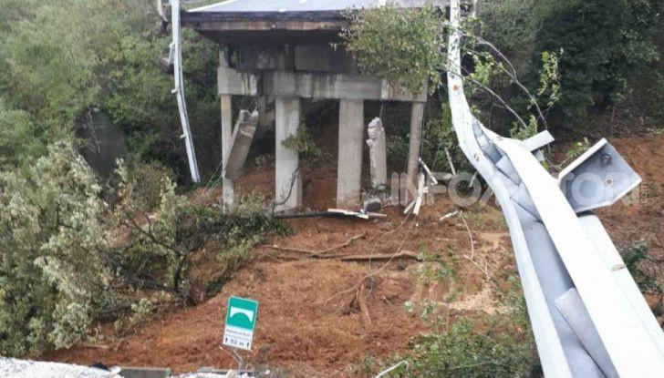 A6 Torino-Savona: in Liguria crolla il viadotto dell'autostrada a causa di una frana - Foto 2 di 2