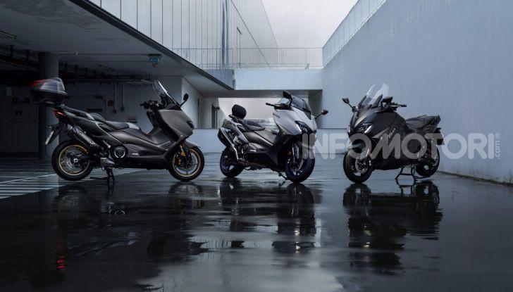 Video prova in anteprima Yamaha TMAX 560 2020, è maggiorenne ma continua a crescere - Foto 4 di 83