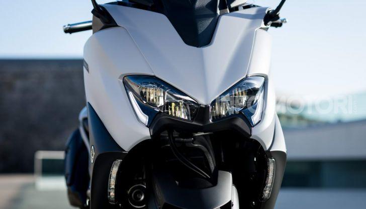 Video prova in anteprima Yamaha TMAX 560 2020, è maggiorenne ma continua a crescere - Foto 6 di 83