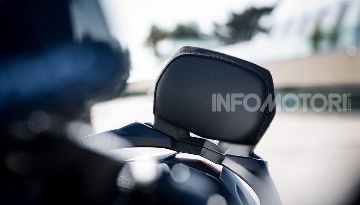 Video prova in anteprima Yamaha TMAX 560 2020, è maggiorenne ma continua a crescere - Foto 22 di 83
