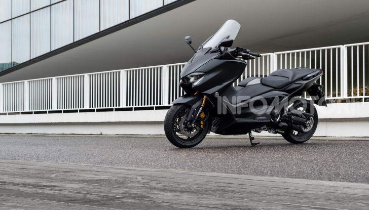 Video prova in anteprima Yamaha TMAX 560 2020, è maggiorenne ma continua a crescere - Foto 35 di 83
