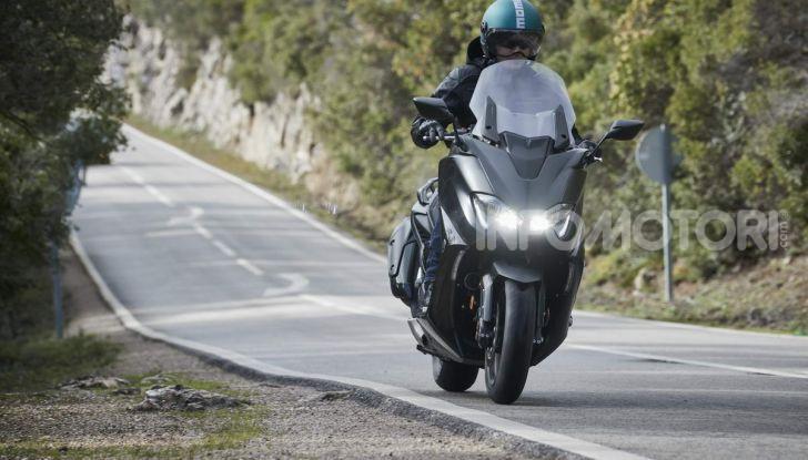 Video prova in anteprima Yamaha TMAX 560 2020, è maggiorenne ma continua a crescere - Foto 64 di 83