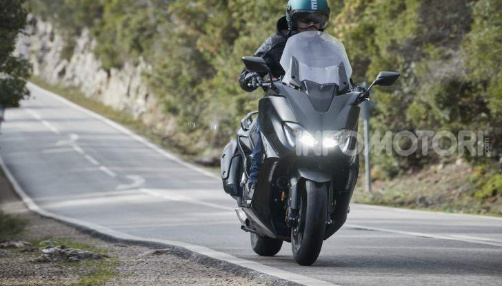 Video prova in anteprima Yamaha TMAX 560 2020, è maggiorenne ma continua a crescere - Foto 65 di 83