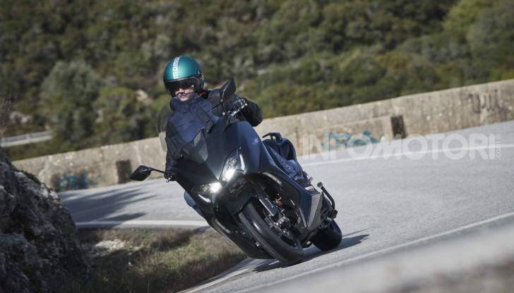 Video prova in anteprima Yamaha TMAX 560 2020, è maggiorenne ma continua a crescere - Foto 68 di 83
