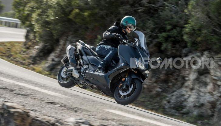 Video prova in anteprima Yamaha TMAX 560 2020, è maggiorenne ma continua a crescere - Foto 77 di 83