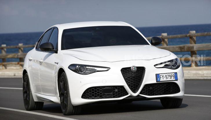 Alfa Romeo Giulia MY2020 prova su strada, motori e prezzi: la rivoluzione parte dall'interno - Foto 1 di 21