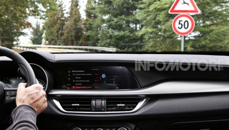 Alfa Romeo Stelvio MY2020 prova su strada, prezzi e motori - Foto 23 di 32