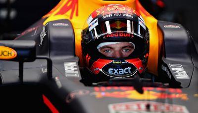 Max Verstappen aspetta a rinnovare con Red Bull, trattative in corso con Ferrari o Mercedes?