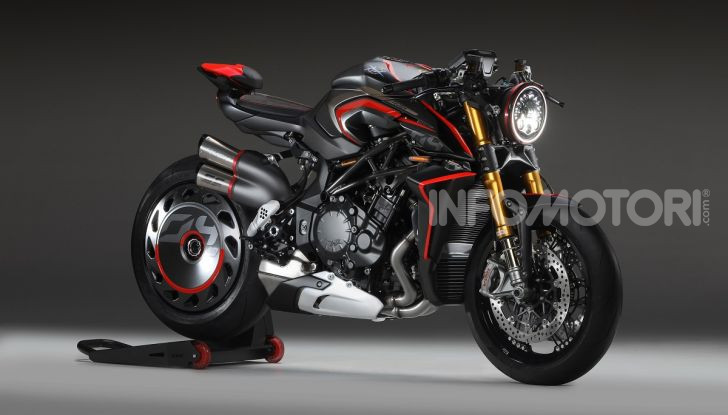 MV Agusta Rush 1000: Super Naked italiana da 208CV - Foto 1 di 2