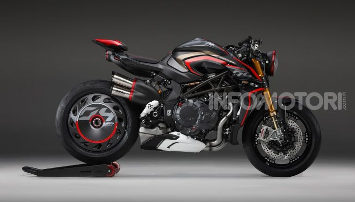 MV Agusta Rush 1000: Super Naked italiana da 208CV - Foto 2 di 2
