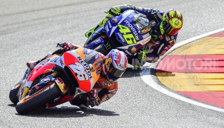 """MotoGP: tutti i Campioni messi """"fuori gioco"""" da Valentino Rossi - Foto 7 di 17"""